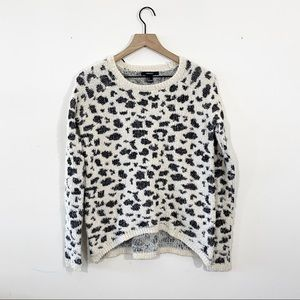 Forever 21 Cheetah Print Sweater Size Small